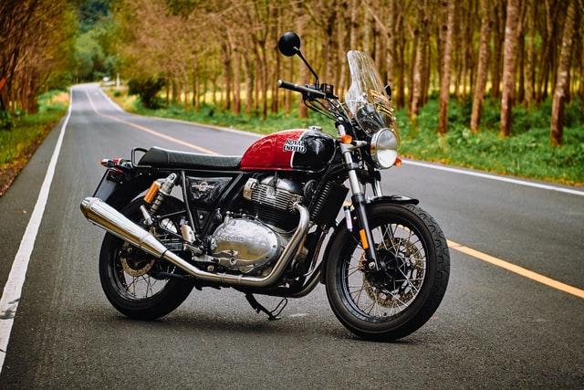 Motorvakantie: rijden naar de motorcamping of motor hotel?