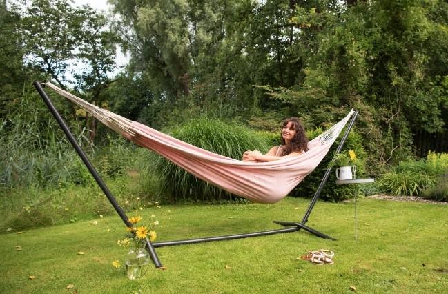 Ontspannen met een hangmat in de tuin