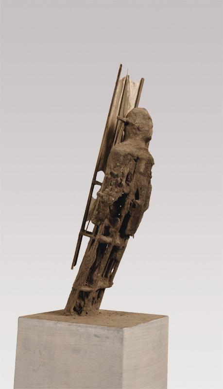 5  |Flieger | 2011 | Ton, Holz, Metall, Japanpapier, LED-Lampen | 60 cm