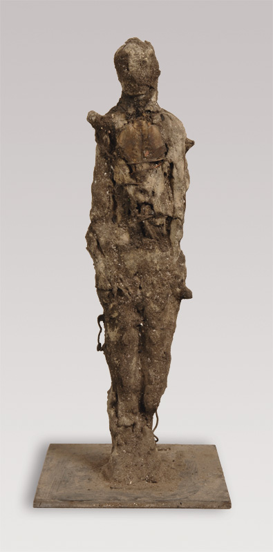 4  |Ohne Titel | 2010 | Ton, Metall, Knochen | 49 cm