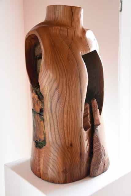 20  |  Torso  |  2017  |   Ulme, Keramik, Enkaustik   |   64cm