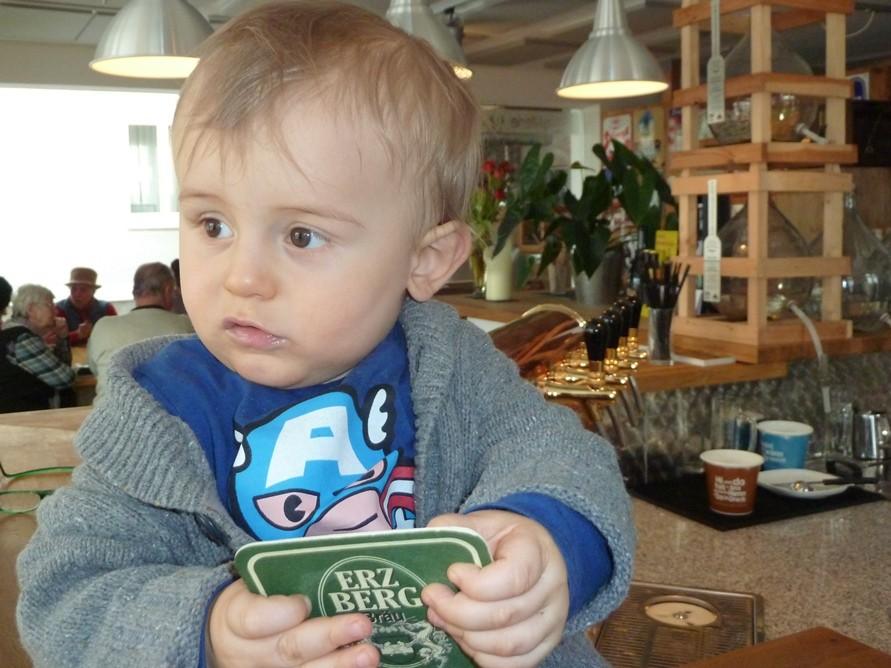 Unser Enkel Oskar ist der jüngste Gast der Brauerei