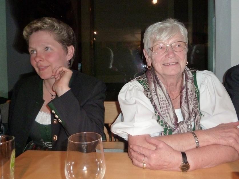 Resi Reiter und Mutter Schenkermaier
