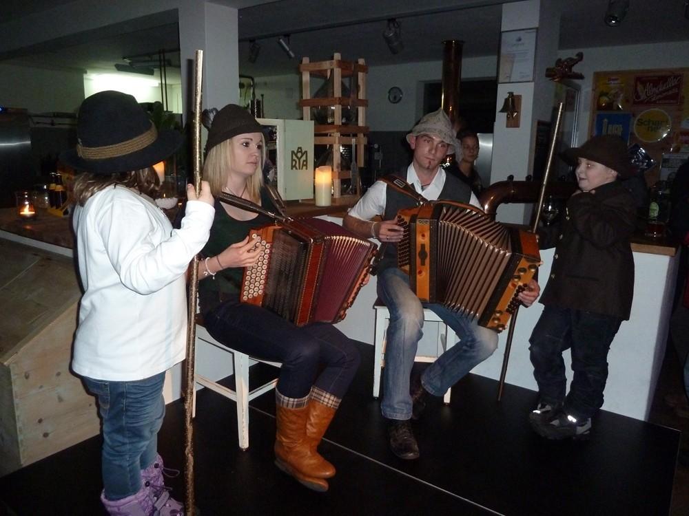 Die Musikanten, Hirtin Maria und Hirte Markus