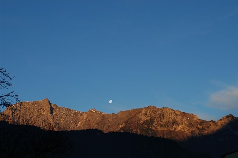 Mond überm Kaiserschild