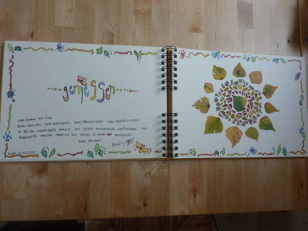 Gästebucheintrag von Désirée & Noah - aus gesammelten und zerkleinerten Blättern