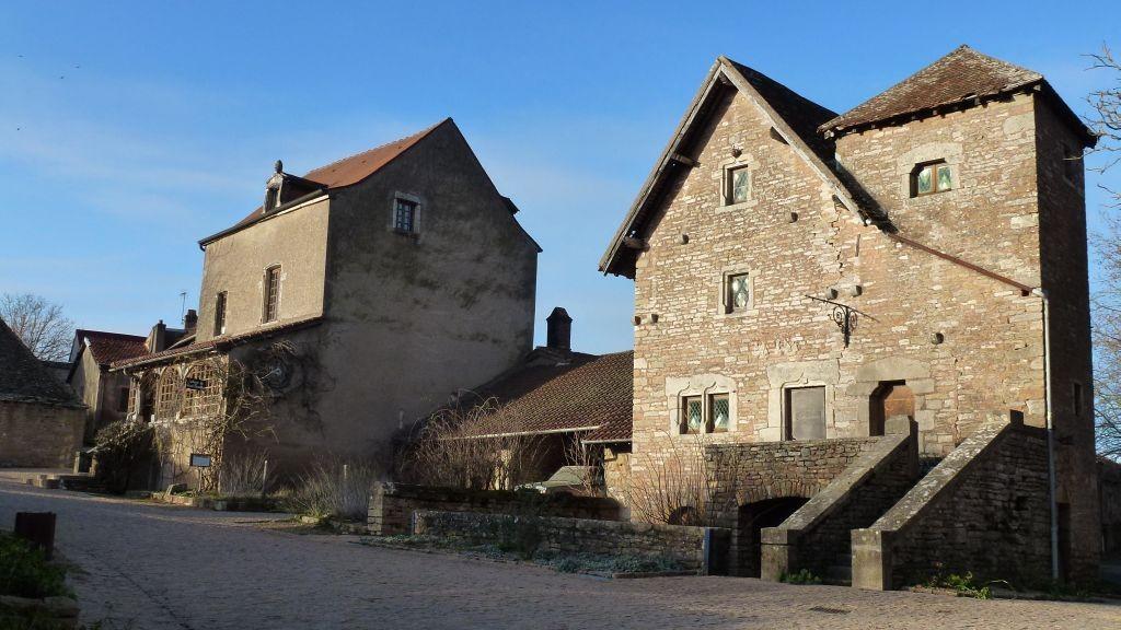 Das mittelalterliche Burgdörfchen Brancion