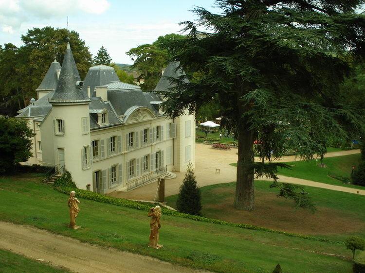 Schloss von Azé