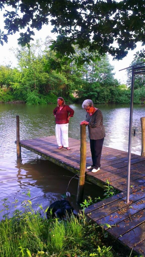 Besuch bei Barbara - auf dem Steg am Teich