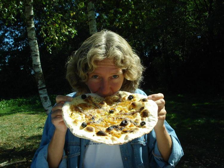 Pizzaessen an der Seille - Henny beisst zu