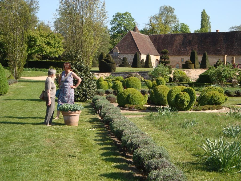 Schloss Cormatin - Sonja und ich geniessen derweil den grossartigen Park
