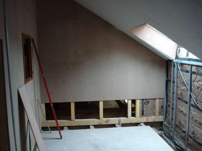 Das Treppenhaus entsteht - der Zwischenboden muss raus