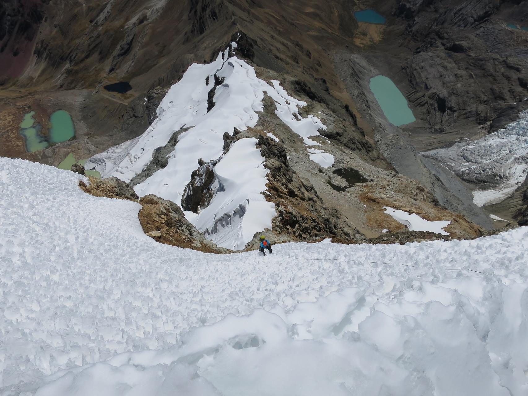 Am Gipfelfirnfeld, erkennbar der Büsserschnee