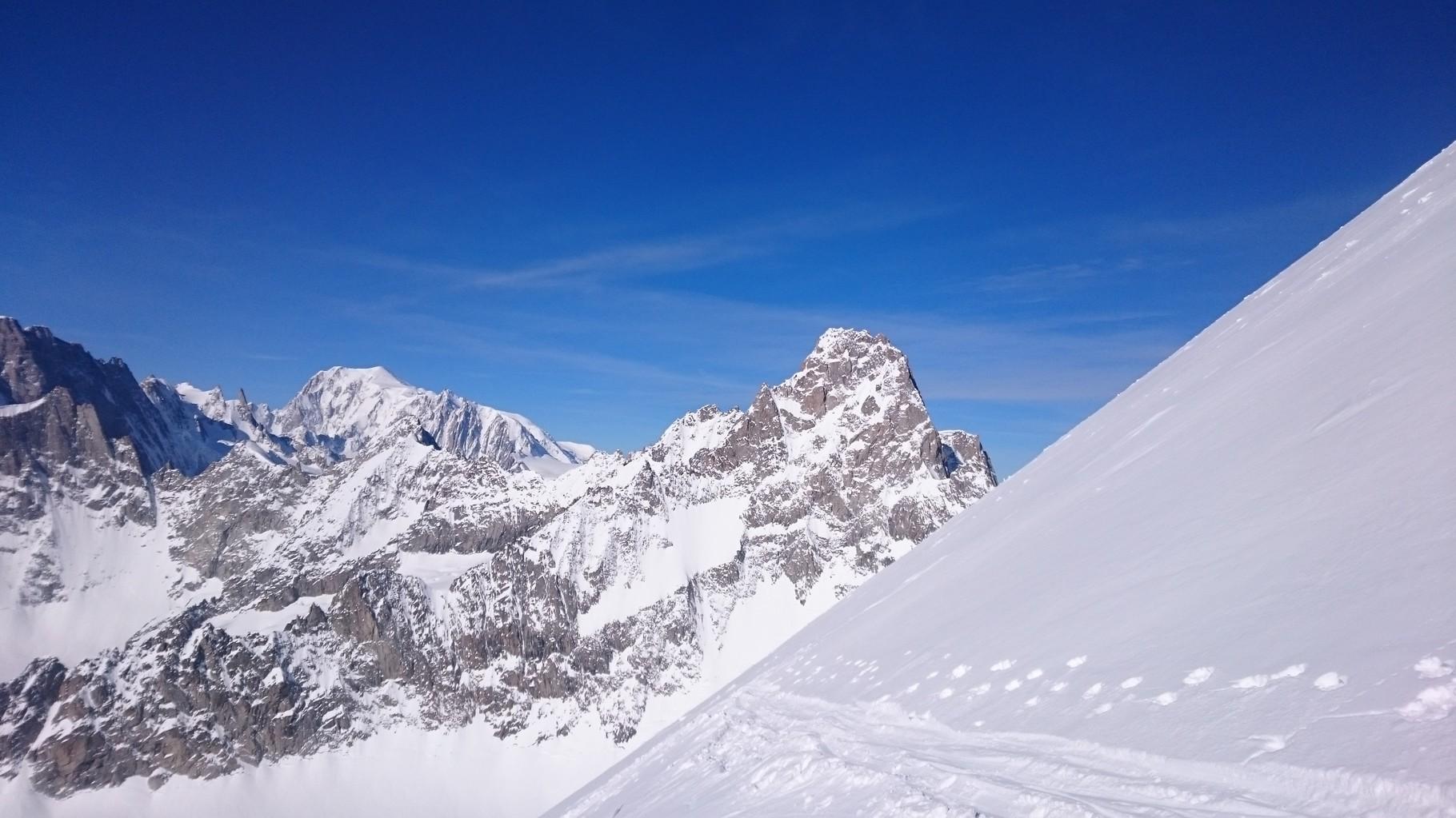 Aig. de Triolet und Mont Blanc im Hintergrund