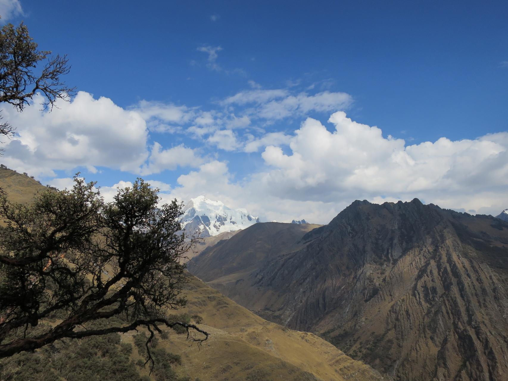 Rückblick zur Cordillera Huayhuash mit dem Rasac und dem Yerupaja
