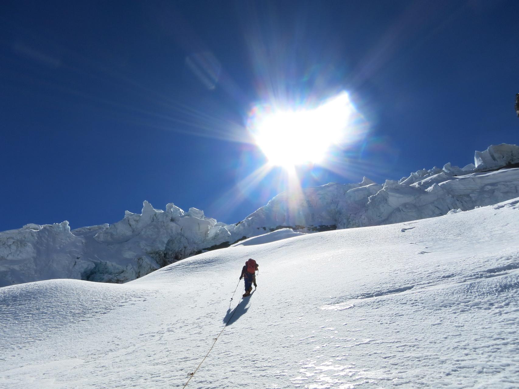 Beim Aufstieg zum Bergschrund über den Gletscher