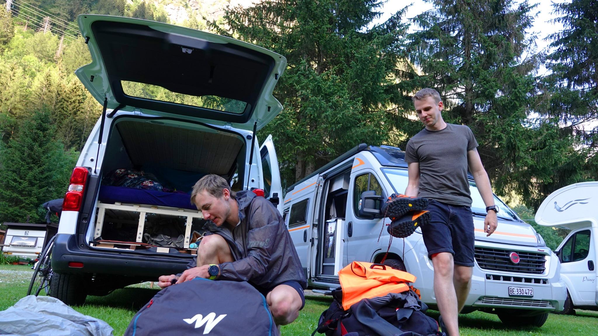 Auf dem Camping mit Stef vor dem Splügenpass