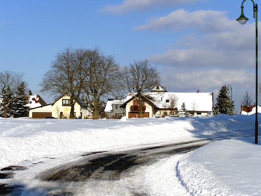 Links: Ferienhaus Sendel von der Rückseite