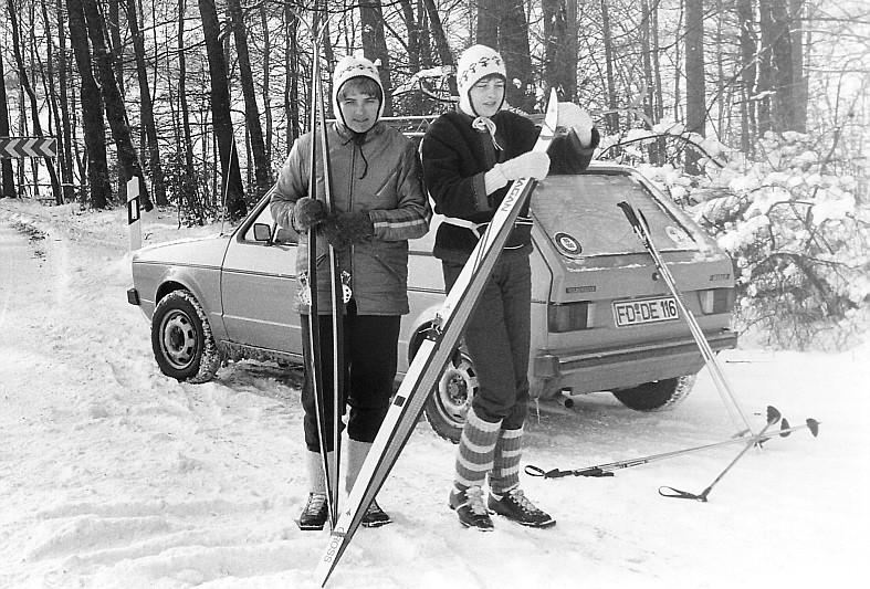 Um 1984 ich mit meiner Tochter beim Skilanglauf in unserer Gegend irgendwo