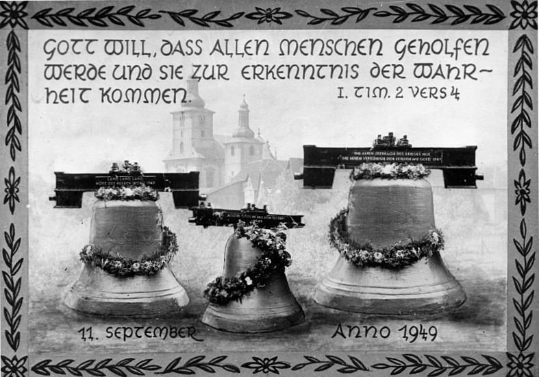 Glockenweihe der neuen Glocken - Die Bronzeglocken der ev. Gemeinde wurden im Krieg vom NS-Staat konfisziert.