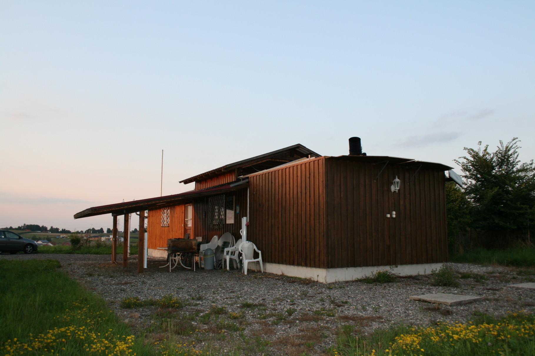 Sternwarte mit Neuanbau und seitlichen Vordach