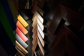 Holzrahmen in über 300 Farben