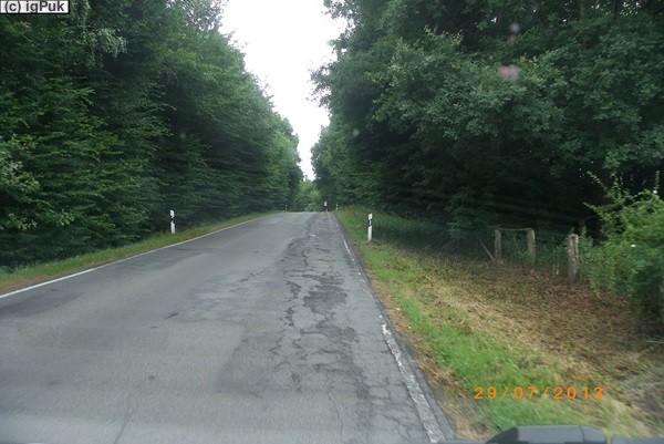 in Deutschland viele schlechte Landes-/Kreisstraßen