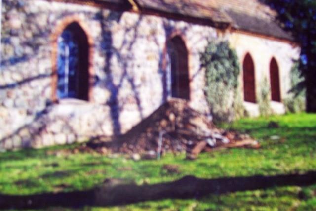 134 Schuttkarren kamen aus dem Kirchturm und dem Kirchendach