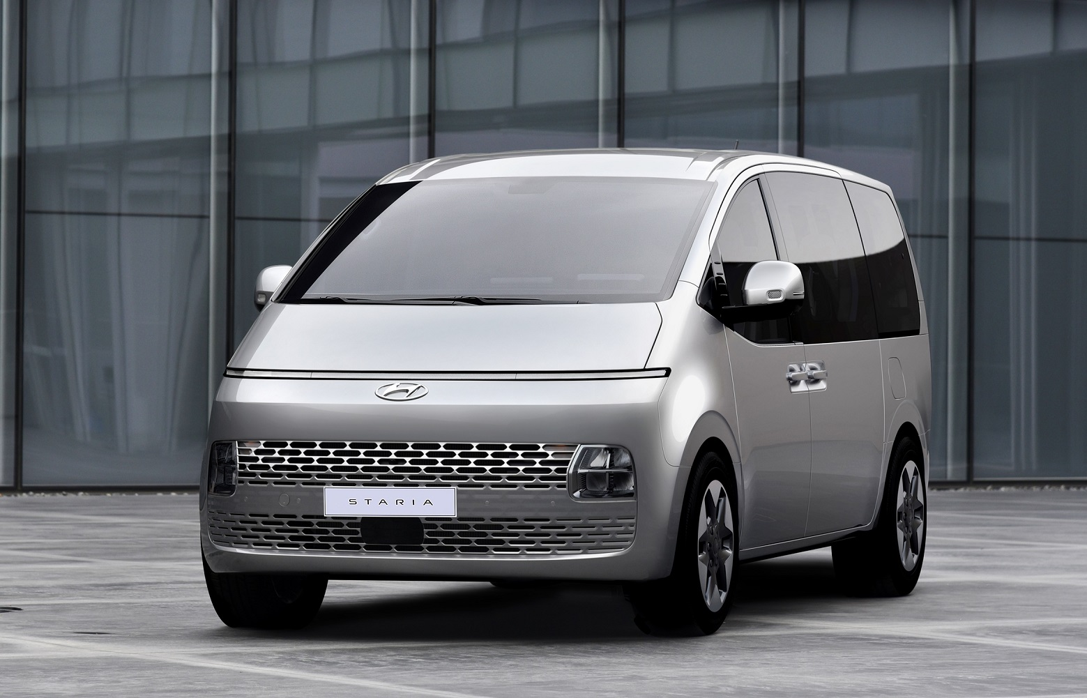 Hyundai STARIA - Seifried United Auto GmbH
