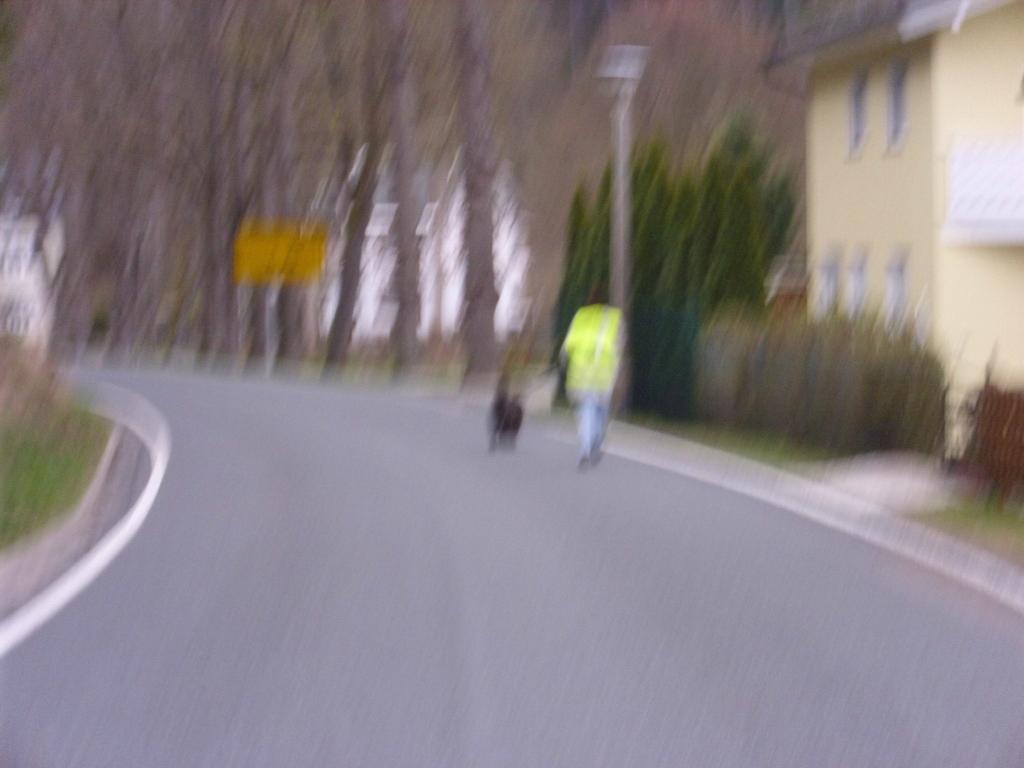 ... die Linse der Kamera ist ganz nass - wir folgen Ossito und seinem Frauchen