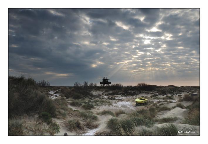 la Camargue, le bateau dans le sable
