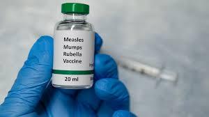 Obbligo vaccinale operatori sanitari: proprio non ci siamo.