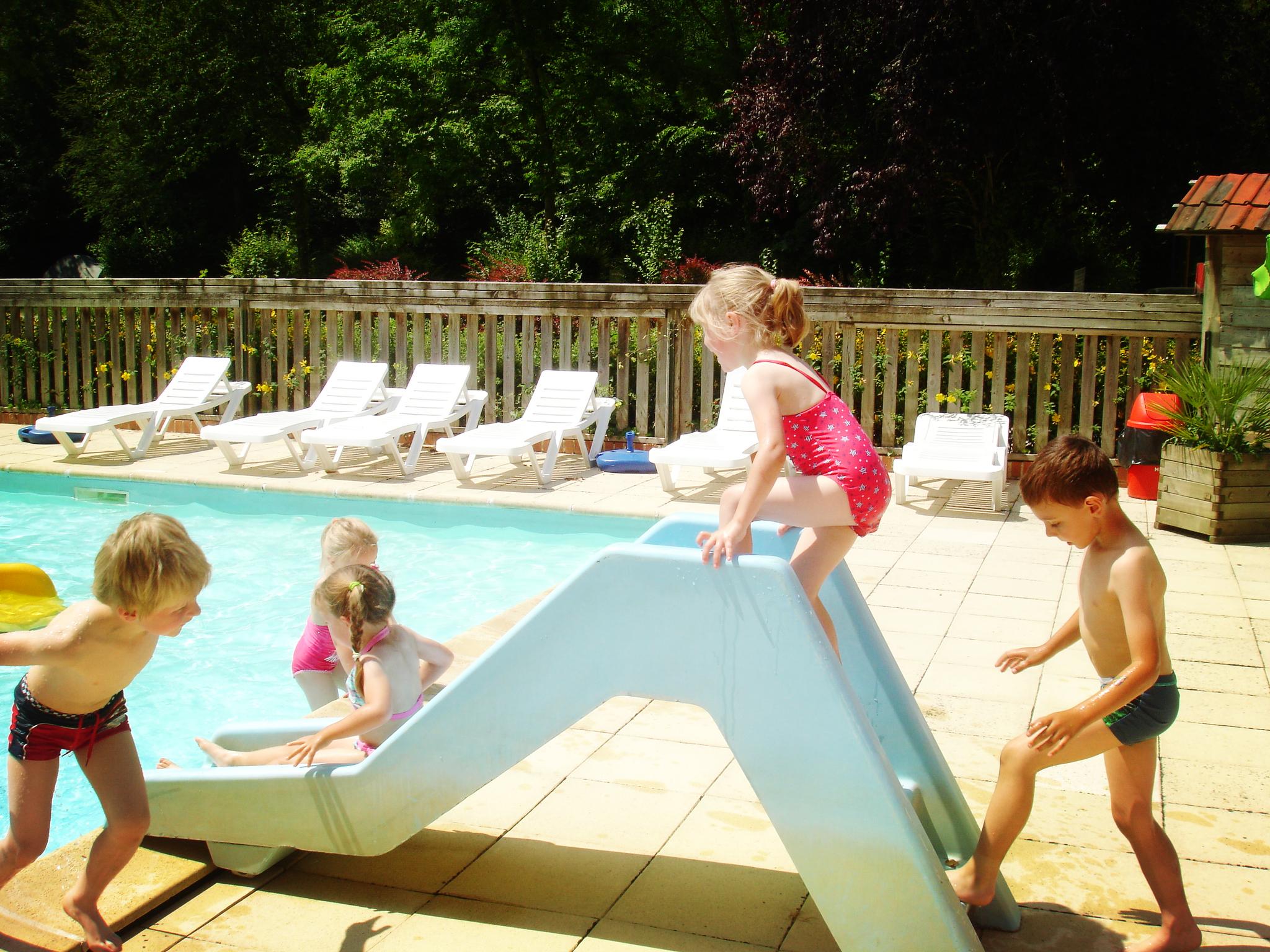Profiter vos vacances dans le camping avec un parc aquatique pour les enfants