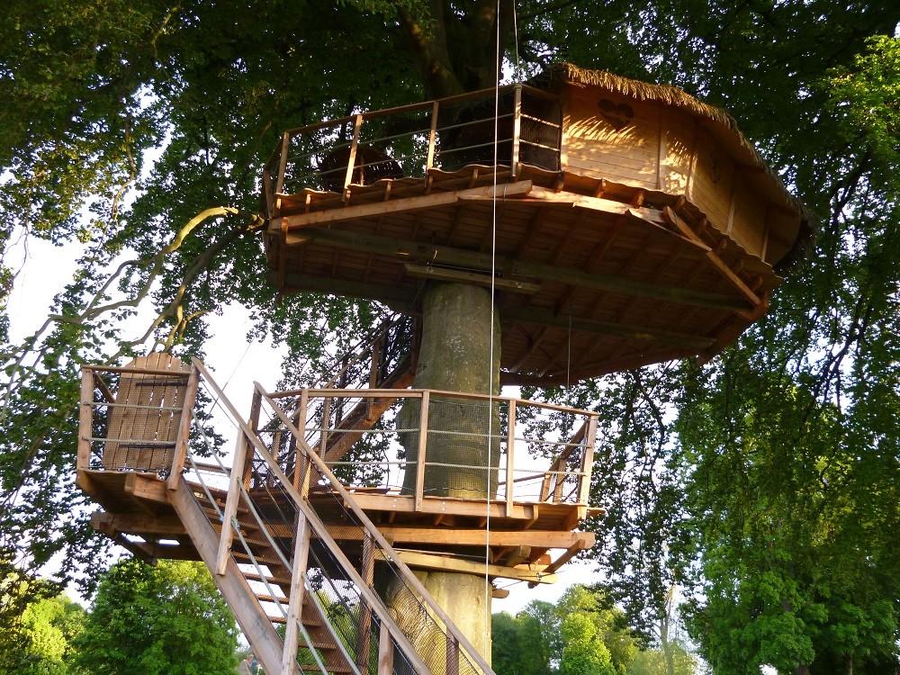 Réserver un séjour insolite dans une cabane dans les arbres romantiques
