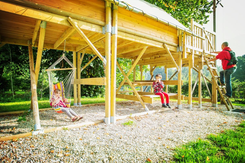 Réservez un séjour insolite dans la tente perchée familiale 4 personnes
