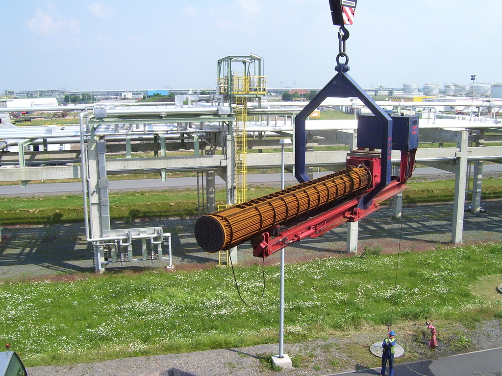 Aerial Tube Bundle Extractor for Heat Exchanger