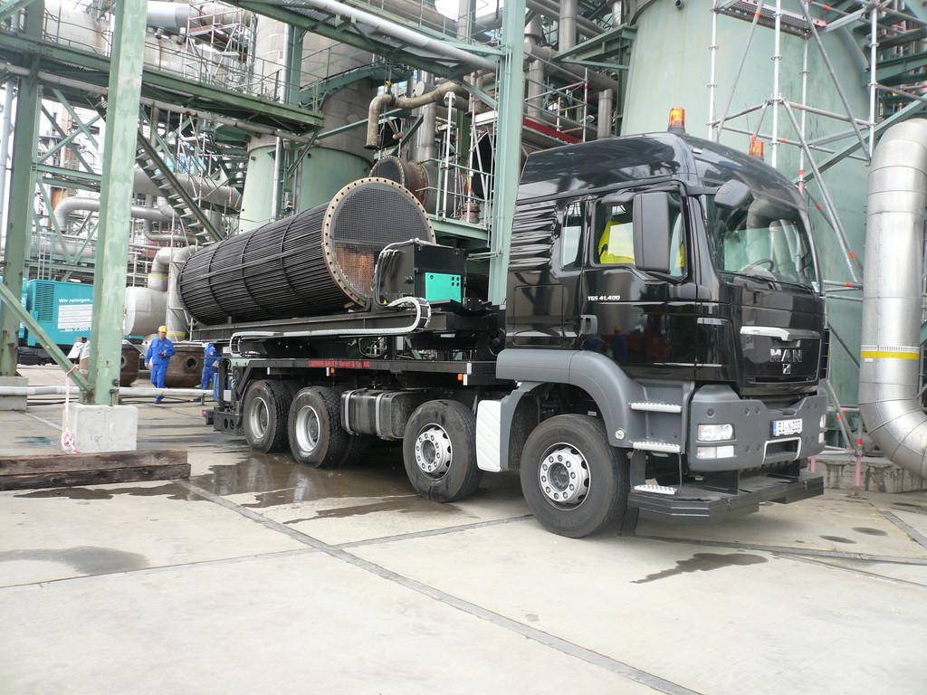 Extrator de feixes tubulares montado em caminhão: o trocador de calor está assente com segurança no caminhão