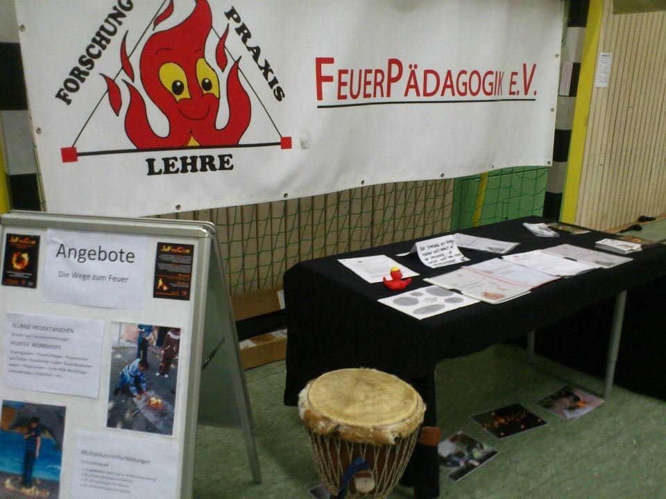 Ein Stand von Feuerpädagogik e.V.