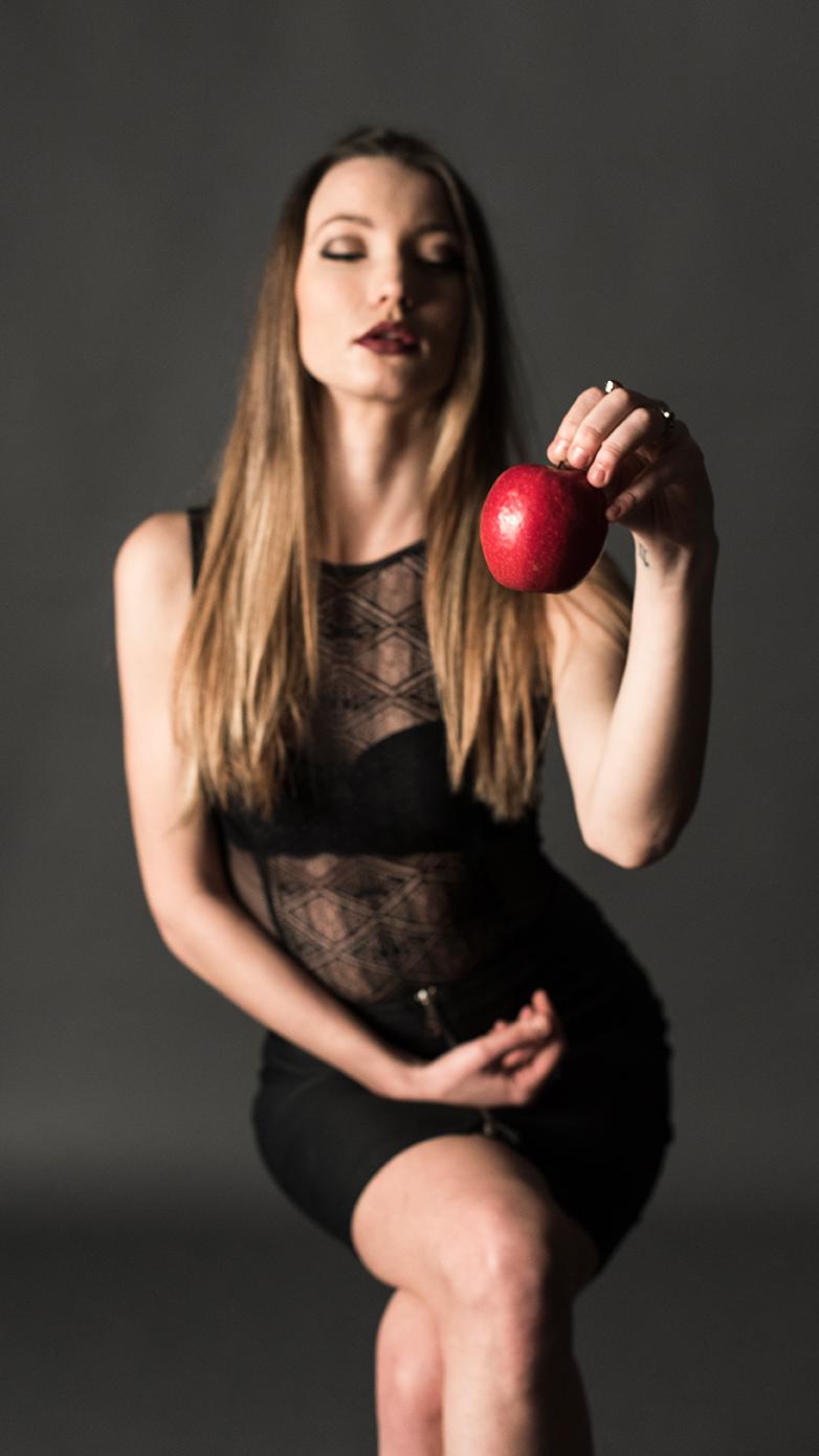 tentazione - Sasha Suchkova