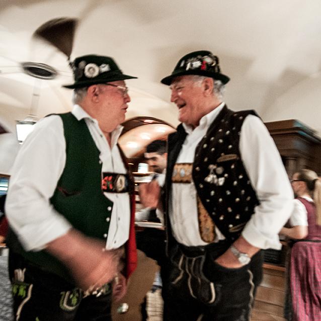 personaggi all'Hofbräuhaus - Monaco di Baviera