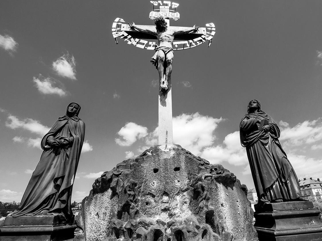 sacralità sul Ponte Carlo