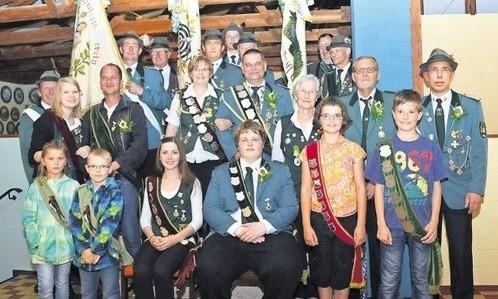 Die neuen Majestäten des Dobrocker Schützenvereins.                       Foto: Sabrina Vinup