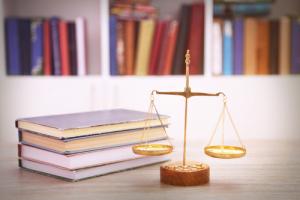 присяжный переводчик, заверенные переводы немецкий-русский в области права