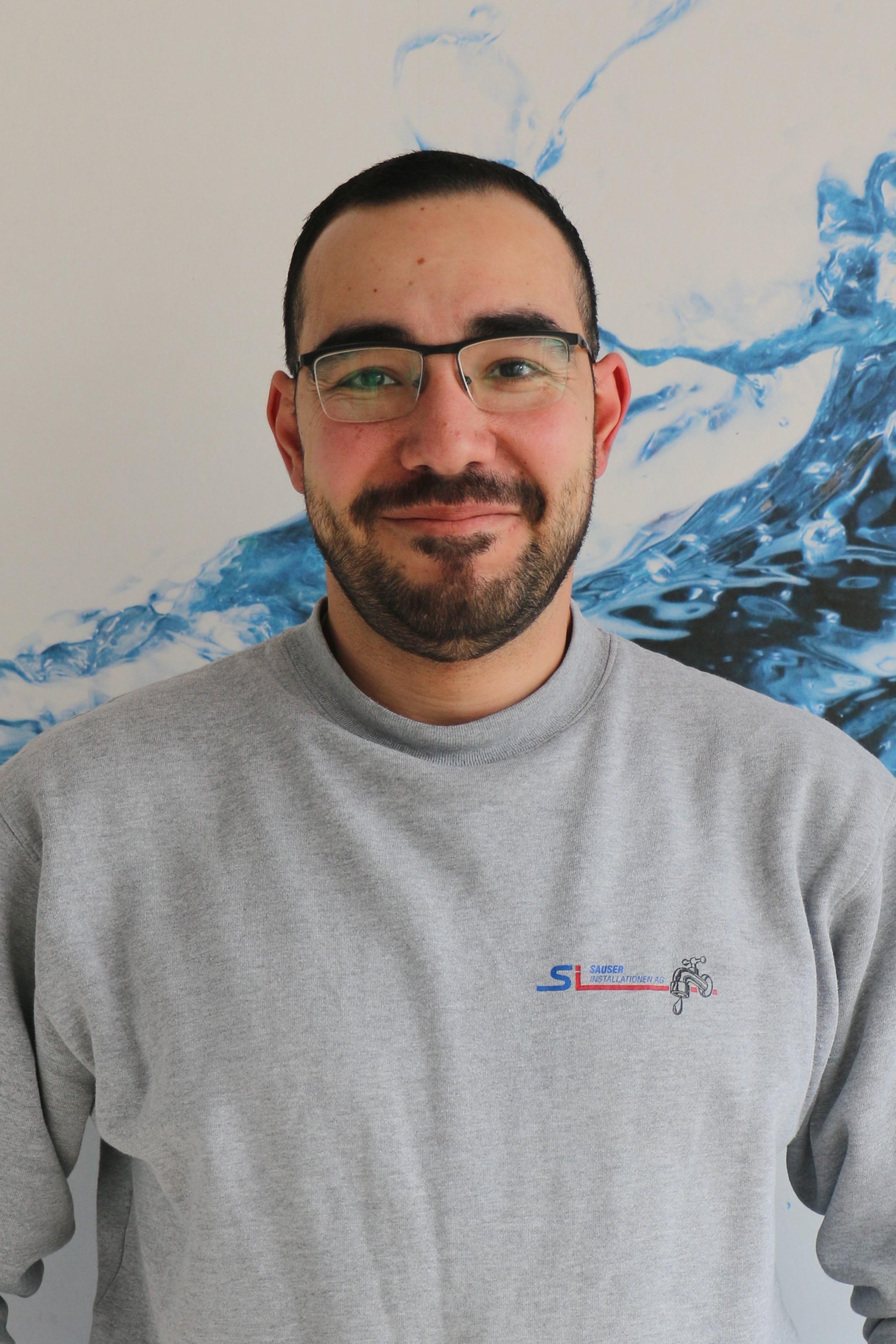 Abdelrehim Monir  Sanitärinstallateur EFZ  2. Lehrjahr