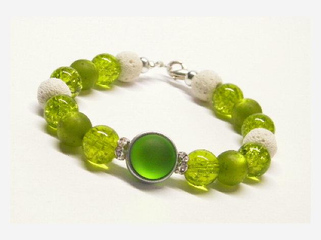Armband grün Glasperlen Lunaperle Lavaperlen