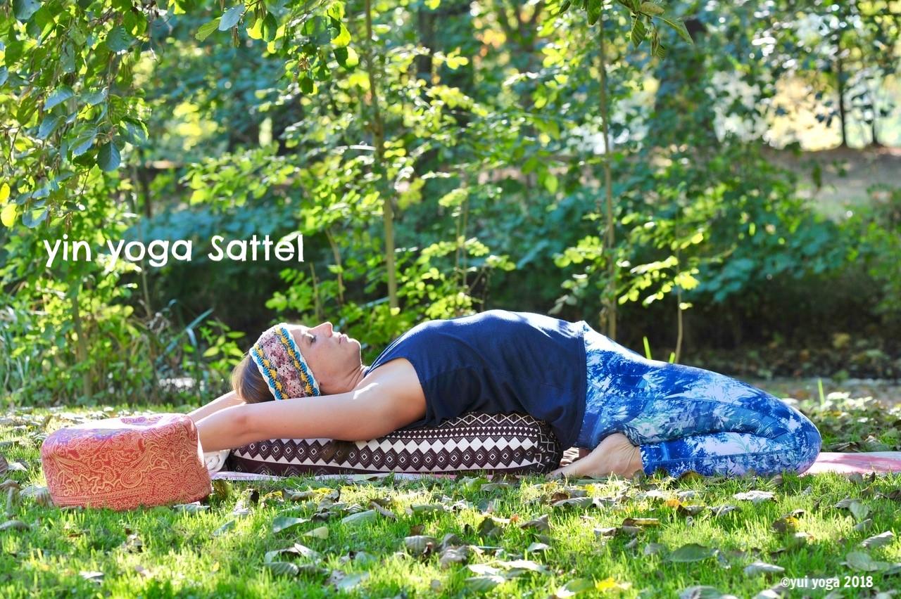 Yin Yoga Position: Sattel