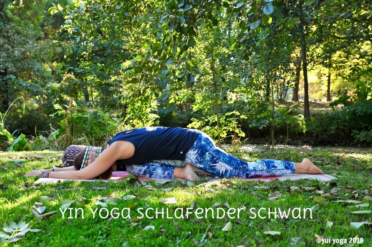 Yin Yoga Position: Schlafender Schwan