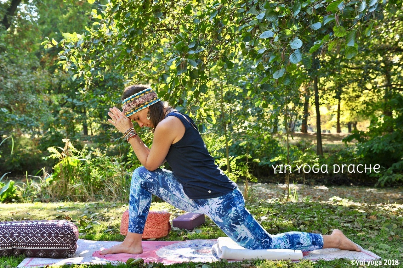 Yin Yoga Position: Hochfliegender Drache
