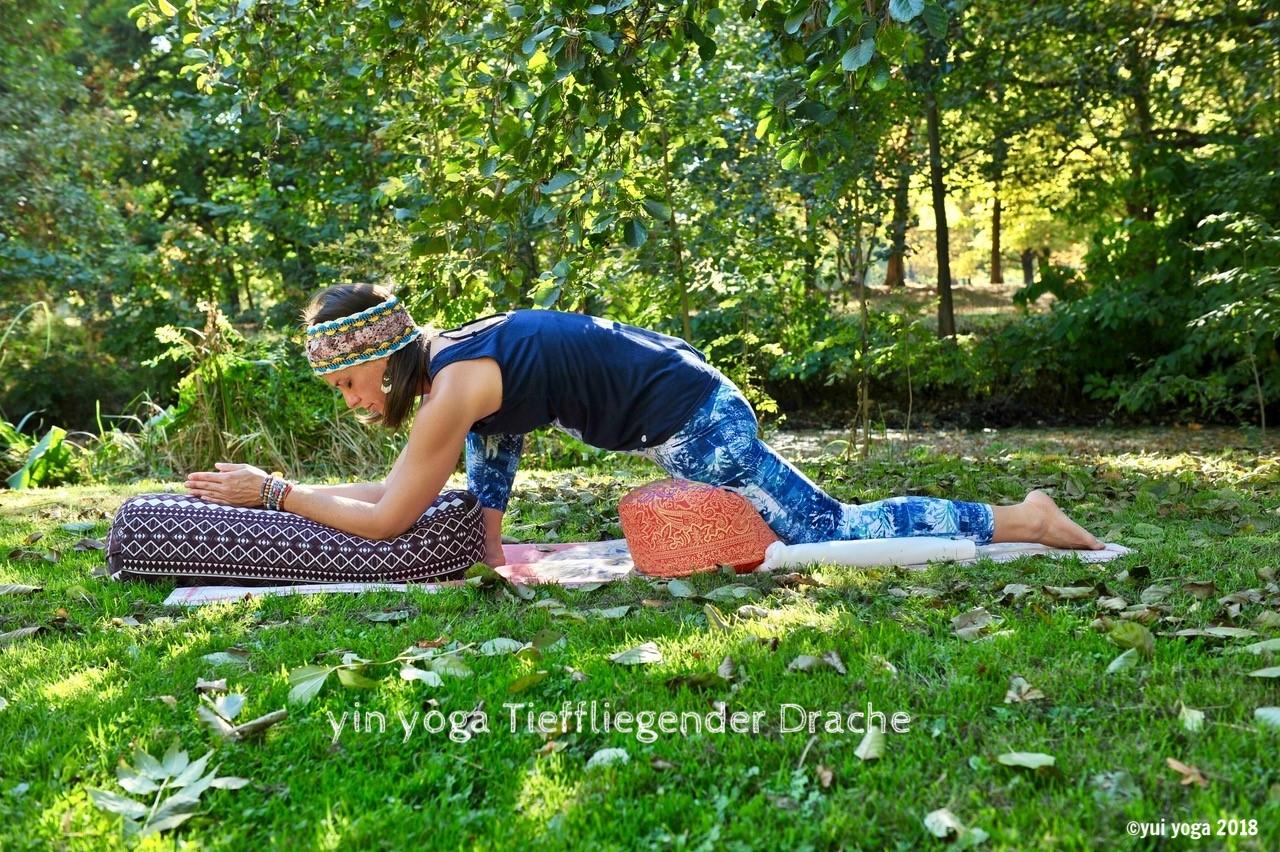 Yin Yoga Position: Tieffliegender Drache