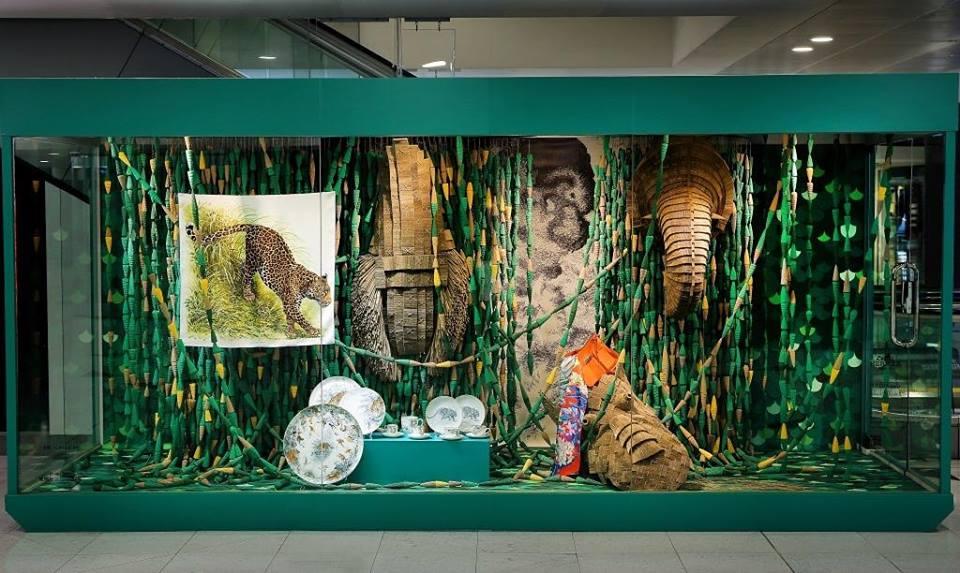 vitrine N°2, HERMÈS HONG-KONG AIRPORT,  2016, COPYRIGHT   LILIAN DAUBISSE